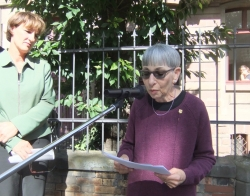 Joan speaking at Stolpersteine laying in Mainz.